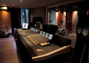 C200_Karisma_Recording_Mobile-Marcel_Gouin_large